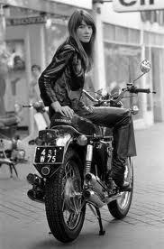 Francoise à Hardy est sur quelle moto ?
